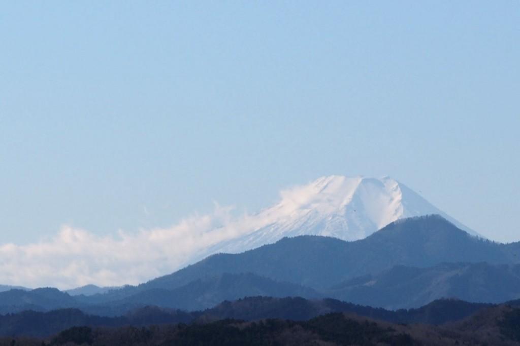 ズームレンズで富士山を撮影